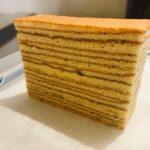 淡路島からわざわざ取り寄せている ヒロタヤのピラミッドケーキ