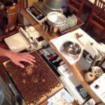 コーヒー焙煎後のハンドピックという作業って何?