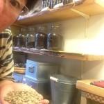 どんどん上がるコーヒー豆 どうする島珈琲?