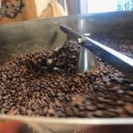 岡町本店はどちらかというと深焙煎のコーヒー豆が多いです