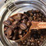 コーヒー豆で浮き出るオイルは古さの証?