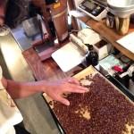 焙煎したコーヒー豆を手選別(ハンドピック)する理由
