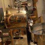 岡町本店と高槻店のコーヒーの味わいはちょっと違う?それは焙煎機の違いです